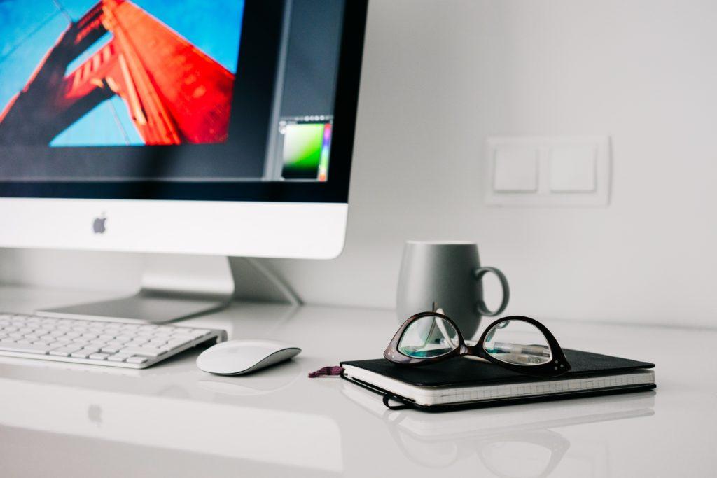 Canva – prosty i bezpłatny sposób na efektowną grafikę reklamową